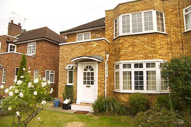 Thumbnail Maisonette to rent in Bishops Close, Ham, Richmond