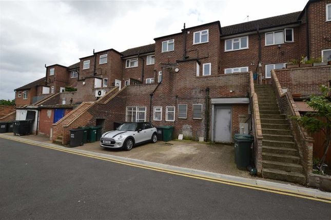 Thumbnail Flat to rent in Church Lane, Mill End, Rickmansworth, Hertfordshire
