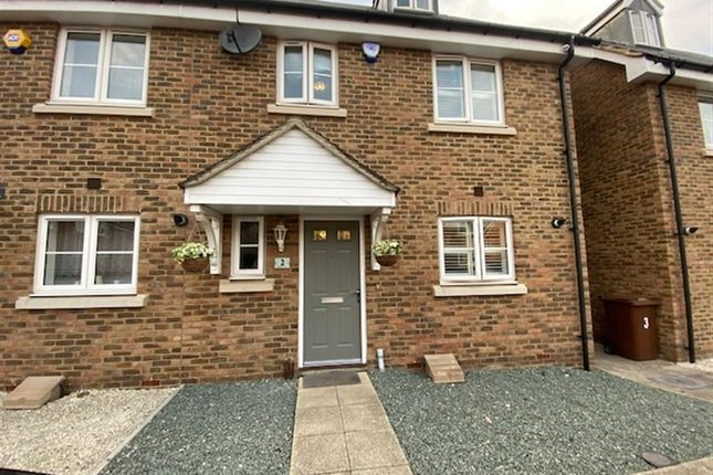 Thumbnail Town house for sale in Poole Close, Wainscott, Rochester, Kent