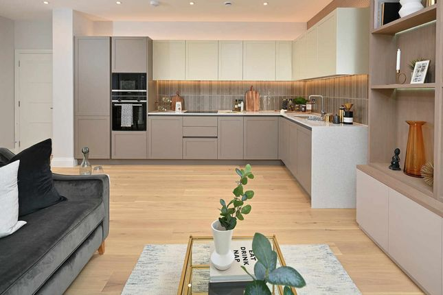 Thumbnail Flat for sale in Chiswick, London