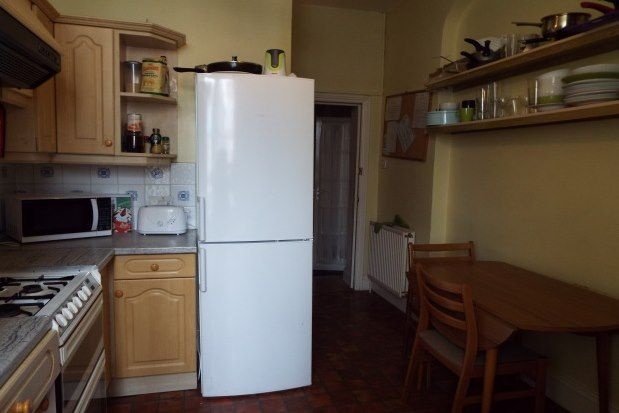 Thumbnail Room to rent in 15 Wellington Park, Bristol