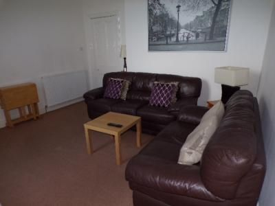 2 bed flat to rent in Wallfield Place, Aberdeen