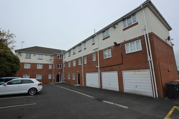 Thumbnail Flat to rent in Kaymar Court, Chorley Old Road, Bolton