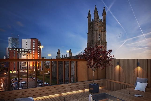 Thumbnail Town house to rent in The Roof Gardens, Castlefield