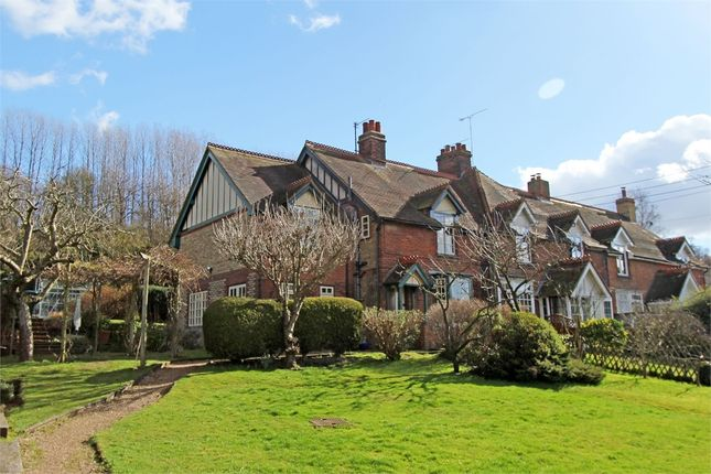 Thumbnail Cottage for sale in Highsted Valley, Rodmersham, Sittingbourne, Kent
