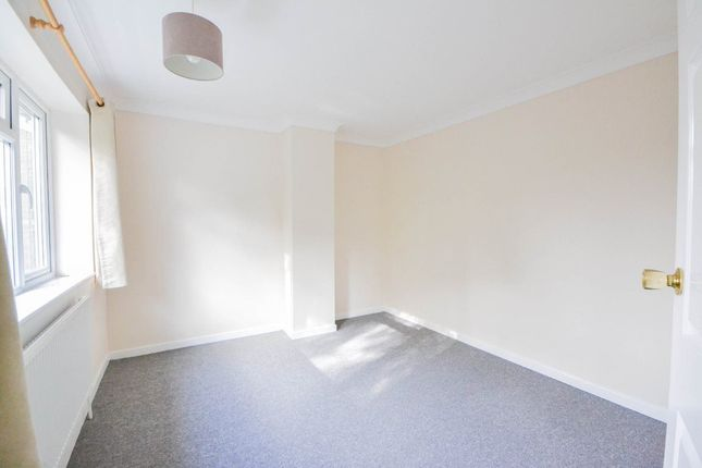 Thumbnail Property to rent in New Road, Woodston, Peterborough