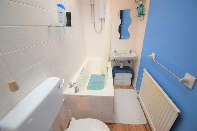 Bathroom of Phoenix Park, Hemlington, Middlesbrough TS8