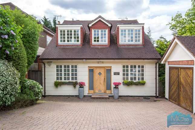 Thumbnail Bungalow for sale in Amberden Avenue, Finchley, London