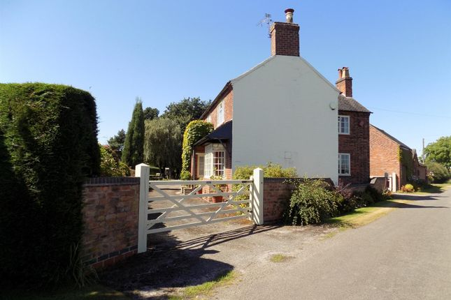 Thumbnail Farmhouse for sale in Netherseal, Derbyshire
