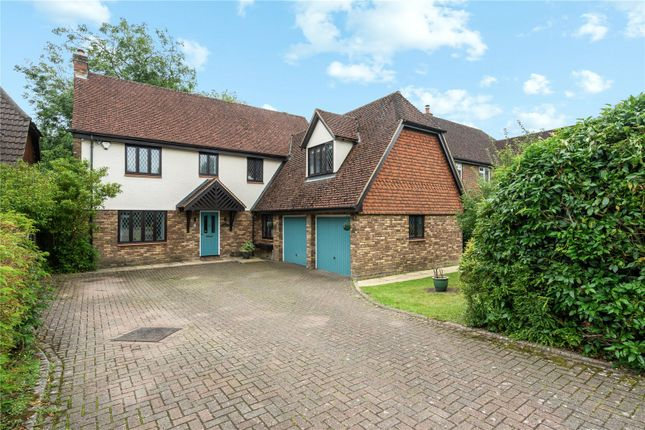 Thumbnail Detached house for sale in Stocks Close, Horley, Surrey