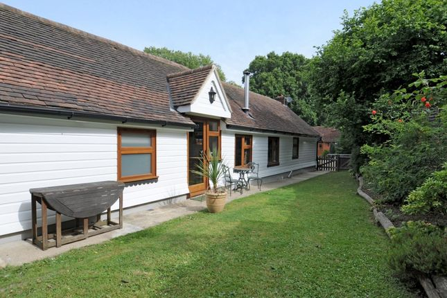 Thumbnail Cottage to rent in Kerves Lane, Horsham, West Sussex