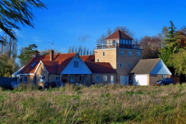 Thumbnail Country house for sale in Bedford Bank, Welney, Norfolk