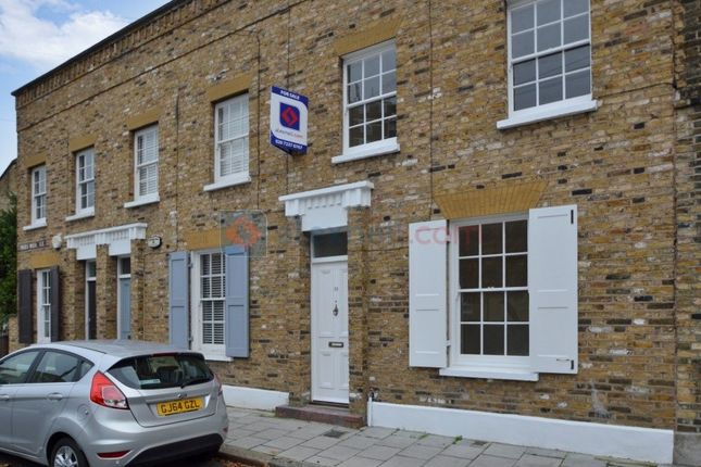 Thumbnail Terraced house to rent in Pages Walk, London