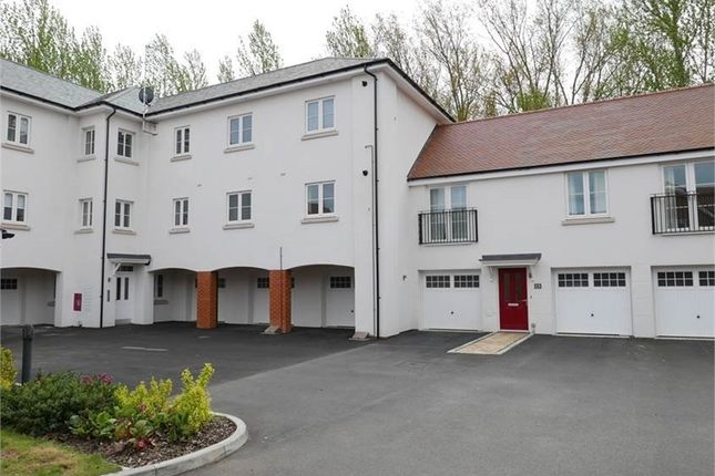 2 bed flat for sale in Turvin Crescent, Gilston, Harlow, Hertfordshire CM20