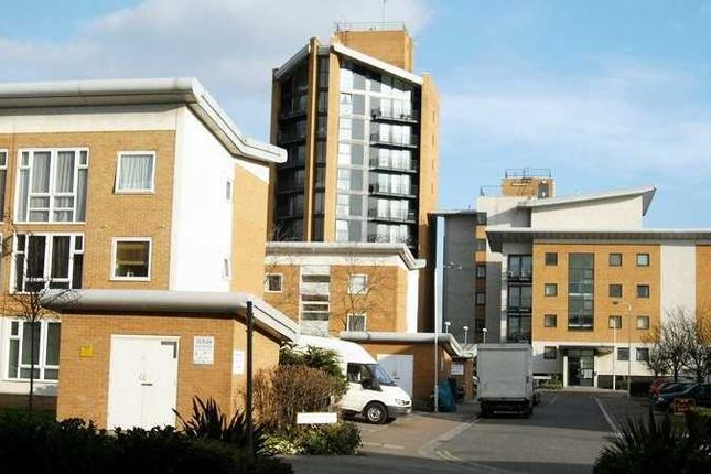 Thumbnail Flat to rent in Felixstowe Court, London
