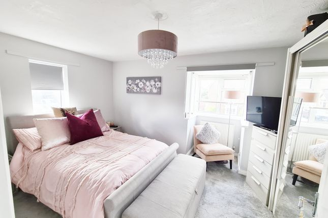 Bedroom of Langham Drive, Rayleigh, Essex SS6