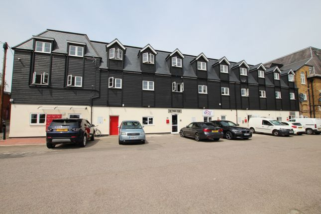 Thumbnail Flat to rent in Brewery Road, Hoddesdon