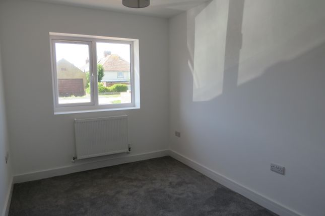 Bedroom 3 of Cornwall Avenue, Peacehaven BN10