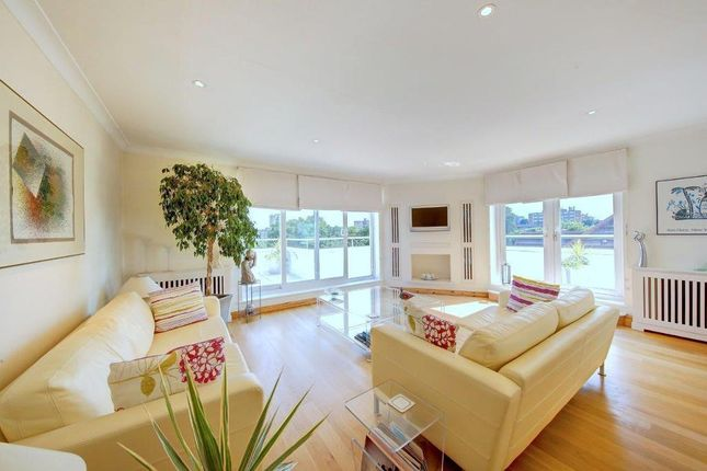 Thumbnail Flat for sale in West Hill, London
