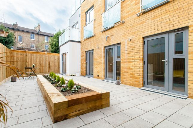Thumbnail Flat to rent in Andre Street, Hackney Downs
