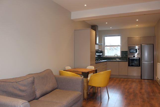 3 bed flat to rent in Carlingford Road, London N15