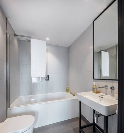 Flat for sale in High Street, Croydon