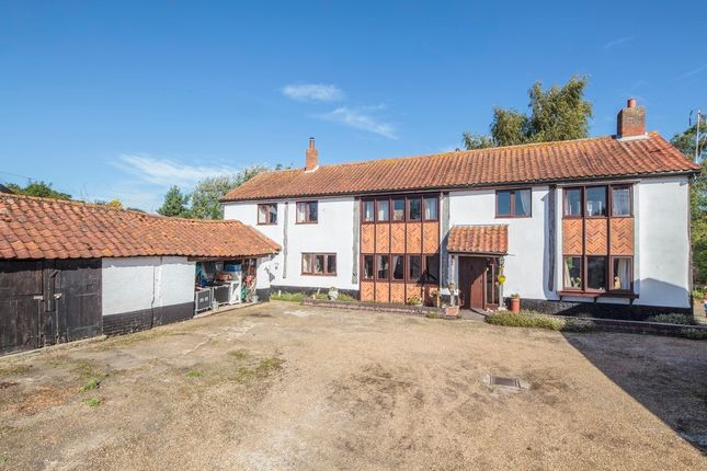 Thumbnail Barn conversion for sale in Snow Street, Roydon, Diss