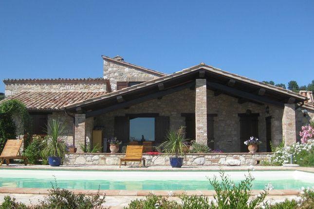 2 bed farmhouse for sale in Piazza Umberto I, 06035 Grutti, Gualdo Cattaneo Pg, Italy