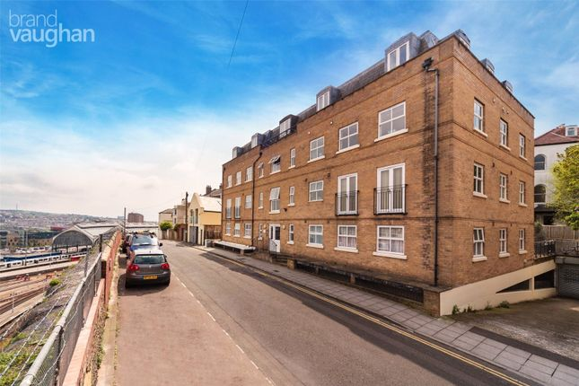 Studio to rent in Howard Place, Brighton BN1