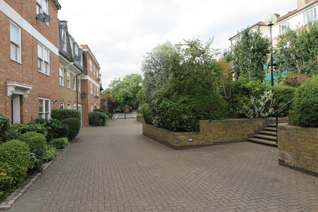 Thumbnail Terraced house to rent in Filigree Court, London