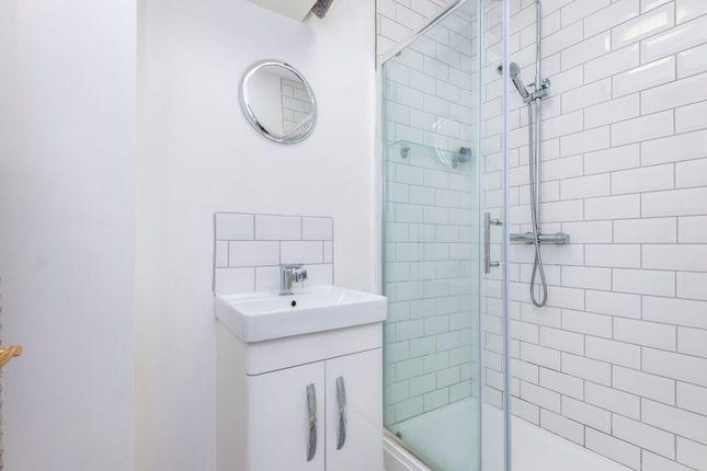 Bathroom of Honor Oak Park, Honor Oak SE23