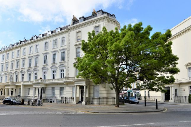 Thumbnail Terraced house to rent in St. Georges Square, London