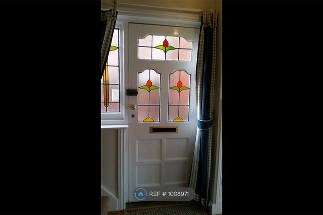 3 bed semi-detached house to rent in York Road, Newbury RG14