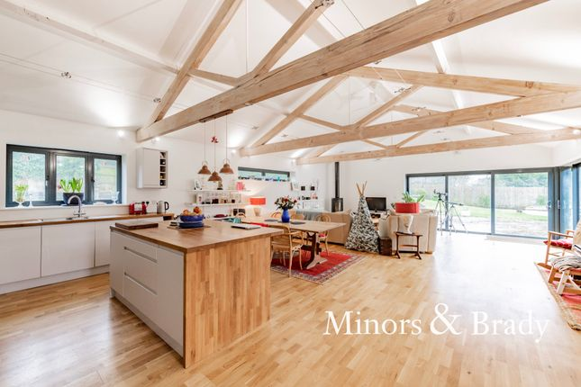 5 bed barn conversion for sale in Hall Lane, Crostwick, Norwich NR12