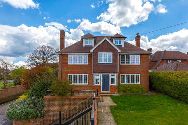 5 bed detached house to rent in Forest Road, Tunbridge Wells, Kent TN2