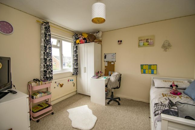 Bedroom of Bensgrove Close, Woodcote, Reading RG8