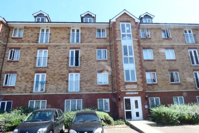 2 bed flat to rent in Henry Bird Way, Northampton