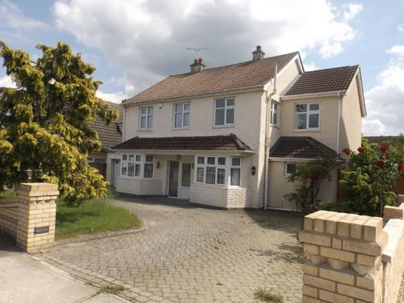 Thumbnail Detached house for sale in Grange Avenue, Wickford