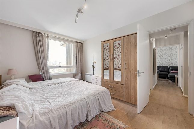 Master Bedroom of The Water Gardens, London W2