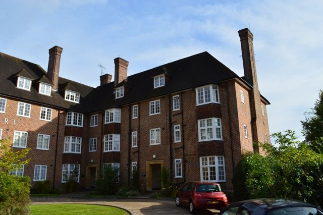Thumbnail Duplex to rent in Portsmouth Road, Guildford