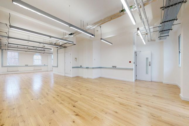 Thumbnail Office to let in 7 Bath Place, London