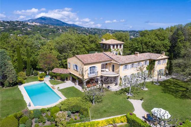 Thumbnail Villa for sale in Exceptional Property, Chateauneuf-Grasse, Var, Provence, France