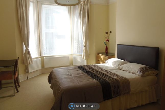 Thumbnail Flat to rent in Gerald Road, Bournemouth
