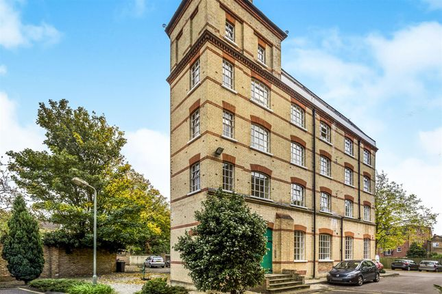 1 bed flat for sale in Park Road, Bromley