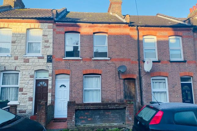 3 bed terraced house for sale in Butlin Road, Luton LU1
