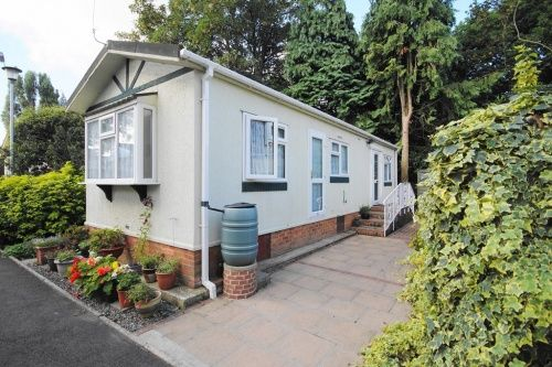 1 Bed Mobile Park Home For Sale In Barnes Road Bournemouth