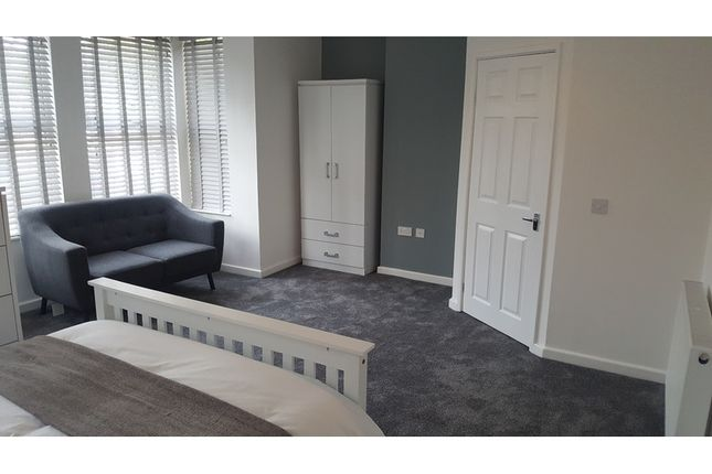 Thumbnail Room to rent in St. Barnabas Court, Boulevard, Hull