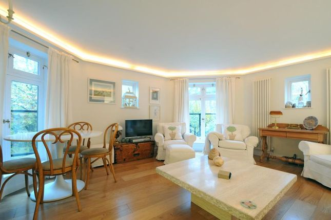 Flat to rent in Fitzjohns Avenue, Hampstead NW3,