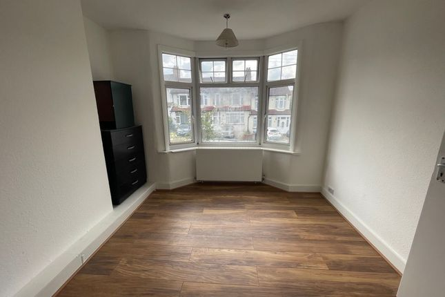 Thumbnail Barn conversion to rent in Lower Maidstone Road, London