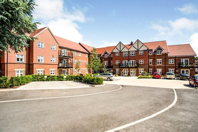 Thumbnail Flat for sale in Rutherford House, Marple Lane, Chalfont St. Peter, Gerrards Cross